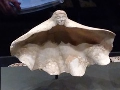 UK - London - Bloomsbury - British Museum - Shell cosmetic container (JulesFoto) Tags: uk england london britishmuseum assyria shell
