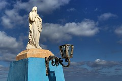 Madonna Statue (Siuloon) Tags: malta malte maltese maltais eu europe mellieha ilmellieha talmellieha madonna talahrax statue clouds winter outdoor sea sky pomnik rzeźba marfaridge