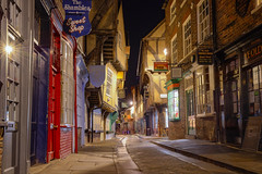 Ye olde street (York, Yorkshire, United Kingdom) (AndreaPucci) Tags: york yorkshire uk shambles night andreapucci medieval