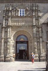 "Portal des Hotels ""Hostal de los Reyes Catolicos"" in Santiago de Compostela (fotoculus) Tags: groserundreisedeutschlandfrankreichspanienportugalspanienfrankreichdeutschland spanien españa galizien galicia santiagodecompostela"