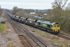 Hoppering (JohnGreyTurner) Tags: br rail uk railway train transport diesel engine locomotive 66 class66 shed emd freightliner fl freight coal hoppers brocklesby lincolnshire