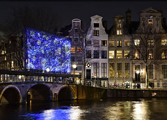 STARRY NIGHT (jan_vrouwe) Tags: quay bridge bike parking moat tree windows painting amsterdam canal vangogh museum blue stripes lightfestival festival