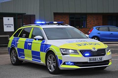 BX66 LSE (S11 AUN) Tags: staffordshire staffs police skoda superb estate dogsection support unit response dog policedogs section k9 999 emergency bx66lse