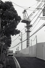 A scene in neighborhood,Hiyoshi town,Yokohama city 2018/12 No.3(taken by film camera). (HIDE@Verdad) Tags: leica leicaa elmar elmar5cm elmar5cmf35 orientalseagull400 seagull400