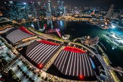 Singapore - city of light (Rafael Zenon Wagner) Tags: aussichtsplattform nacht singapur lichter show nikon d810 laowa12mmf28zerod viewingplatform night singapore lights 12mm