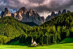 Dolomites 2018 - Val di Funes (cesbai1) Tags: val di funes dolomites dolomiti italie italy italia italien sankt johann church kirche eglise mountain mount peak landscape paysage sony a7rii