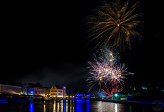 Happy New Year.. (vliege) Tags: curacao nikon photography firework newyear nikond3300 night willemstad