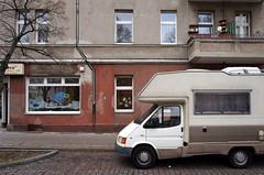 gewohnt und mobil *201 (galibier2645) Tags: wohnmobil kopfsteinpflaster