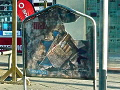 Raucher_Warnung (web.werkraum) Tags: ks 2019 raucherwarnung berlinwedding association artist annotation stadtnatur ansichten berlin karinsakrowski berlinerkünstlerin bildfindung collageconcept coexistent deutschland dasdasein dual dokumentation documentation europa expression einblick durchblick findung germany installation jetzt januar nahaufnahme now neighbor nachbar naturmalerei omot original objekt plakat rot red typo urban webwerkraum wegzeichen