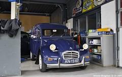 Citroën 2CV AK350 1970 (XBXG) Tags: an1507 citroën 2cv ak350 1970 citroën2cv 2pk eend geit deuche deudeuche 2cv6 blue bleu besteleend van utilitaire bestelwagen bestel wagen fourgonnette gjo nieuwjaarsreceptie 2019 garage johan oldenhage tarwestraat nieuw vennep nieuwvennep nederland holland netherlands paysbas vintage old classic french car auto automobile voiture ancienne française vehicle indoor