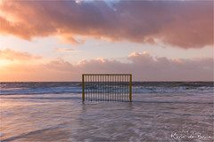 Football or water polo? (karindebruin) Tags: brouwersdam goereeoverflakkee nederland noordzee northsea ouddorp thenetherlands zuidholland beach sea storm stormyweather strand tgorsje water zee voetbal football waterpolo doeltje