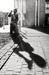 'Til the last drop (Guido Klumpe) Tags: hot thirsty water drink frau women lady beauty kontrast contrast gegenlicht shadow schatten silhouette sw schwarzweis blackandwhite bnw bw monochrome candid street streetphotographer streetphotography strasenfotografie strase hannover hanover germany deutschland city stadt
