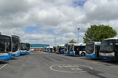 Translink Ulsterbus 780 TCZ1780 & Goldline 1761 EEZ6761 (Will Swain) Tags: newry depot 14th june 2018 town bus buses transport travel uk britain vehicle vehicles county country ireland irish city centre north northern translink ulsterbus 780 tcz1780 goldline eez6761 tcz 1780 eez 6761 1761