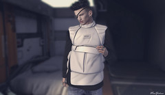 Time does not stop (MauMau_Yakusa) Tags: puffer vest hevo cordeaux poses