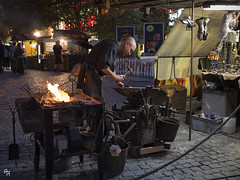 The street blacksmith (Andrea Rizzi Esk) Tags: prague praga czech repubblic street urban city human worker job warm fire craft artisanal blacksmith night dark