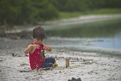 Diego brincando (mcvmjr1971) Tags: yellow ilha do pontal piratininga lagoa nikon mmoraes d800e lens sigma 2435 art