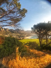 Camps Bay 6pm (marc.barrot) Tags: suidafrika beach landscape rsa southafrica wc ekapa kaapstad capetown campsbay town tree shotoniphone