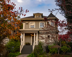 Gorgeous housing in South Berkeley (alessio.vallero) Tags: victorian city architecture home house california berkeley