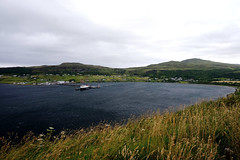 Skye Island / Highlands / Escocia (128) / Scotland (Ull màgic (+1.500.000 views)) Tags: skyeisland highlands scotland església natura naturaleza nature paisatge paisaje landscape aigua agua water mar atlàntic atlántico núvols nubes port costa fuji xt1