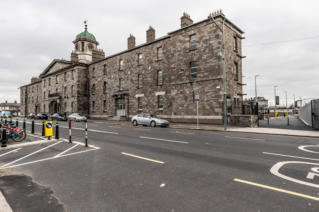 LIMITED ACCESS TO THE GRANGEGORMAN CAMPUS EAST-WEST CYCLE PATH [GRANGEGORMAN STATION AND LUAS TRAM STOP]-147407