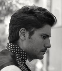 Pensativo. Thoughtful (marisabosqued) Tags: retrato portrait hombre man callejeo calle street bn bw monocromo monochrome