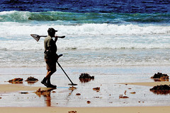 Prospective Rewards (Ggreybeard) Tags: nsw australia prospecting searching beach surf coast