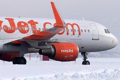 G-EZWL easyjet Airline A320-200 Innsbruck Airport (Vanquish-Photography) Tags: gezwl easyjet vanquish photography vanquishphotography ryan taylor ryantaylor aviation railway canon eos 7d 6d 80d aeroplane train spotting lowi inn innsbruck innsbruckairport kranebitten innsbruckkranebittenairport airport austria airline a320200