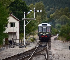 Strathspey Railway Boat of Garten Highland Scotland 7th September 2018 (loose_grip_99) Tags: scotland uk highlands strathspey railway railroad rail train boatofgarten signal box semaphore diesel multiple unit dmu preservation transportation trains railways class117 september 2018