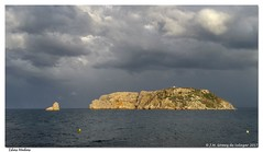 Atardecer tormentoso sobre las islas Medas. Begur. Girona. España / Stormy sunset over the Medes Islands. Begur Girona Spain (José María Gómez de Salazar) Tags: atardecer tormenta nubes mar isla islasmedas medas españa girona begur mediterráneo nubesdetormenta sunset storm clouds sea island medasislands spain mediterranean stormclouds