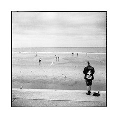 the lonely punk • blackpool, uk • 2018 (lem's) Tags: lonely punk seul beach plage blackpool uk rolleiflex t