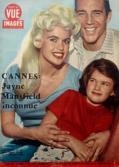 Jayne Mansfield en Familie - Point De Vue Images Du Monde (poedie1984) Tags: jayne mansfield vera palmer blonde old hollywood bombshell babe pin up actress beautiful model beauty hot girl woman classic sex symbol movie movies star glamour icon sexy cute body bomb 50s 60s film celebrities pink filmstar filmster diva superstar wonderful american goddess mannequin black white tribute blond sweater cine cinema screen gorgeous legendary iconic magazine covers color colors point de vue images du monde family familie marie dochter daughter mickey hargitay miklós miklos lippenstift lipstick