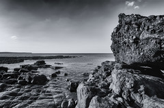 31 (7gismo) Tags: dunmoranstrand sligo landscape seascape ireland nature outdoor coastline shore coast wildatlanticway atlanticocean rocks sun sky clouds monochrome blackandwhite rock sea ocean