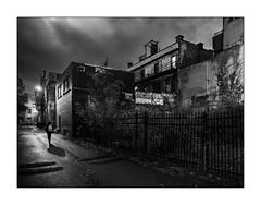 Ruelle 2 (francis_bellin) Tags: 2018 graf blackandwhite grilles noiretblanc novembre nuit street bw streetphoto rue photoderue ruelle ombre monochrome montréal