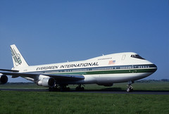 N470EV Evergreen 747. (Longreach - Jonathan McDonnell) Tags: 1990s 1990 scan scanfromaslide 402036 06051990 scannedfromaslide boeing boeing747 cargo evergreeninternational evergreen shannon shannonairport 747 n470ev