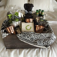 Basket Gifts : Moscow Mule gift basket. Mugs are by Sertado Copper. They make larger (18oz ) an… (giftsmaps.com) Tags: gifts