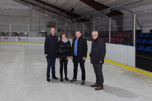 Mit meiner Kollegin Siemtje Möller MdB habe ich die Eishalle in Sande besucht und mich über den Eishockeysport in Deutschland informiert.