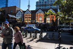 Toronto (klauslang99) Tags: klauslang toronto reflection street streetphotography urban people