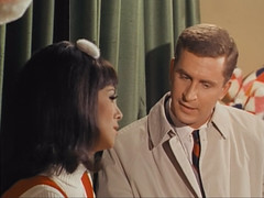 """Marlo Thomas, Ted Bessell, That Girl, """"Christmas and the Hard-Luck Kid,"""" 1966 (classic_film) Tags: 1966 tv television sitcom situationcomedy sixties 1960s entertainment usa unitedstates american añejo alt america old vintage retro actress marlothomas beauty girl woman hübschefrau mujerbonita actrice actriz aktrice schön schauspielerin hollywood brunette hair hairstyle beautiful prettygirl pretty lady época classic clásico wardrobe ropa clothing fashion tedbessell acteur actor man akteur aktor frau christmas xmas holiday"""
