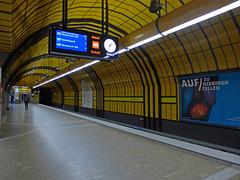 Theresienwiese U-Bahn station (jrw080578) Tags: clock underground germany deutschland bavaria bayern munich münchen ubahn