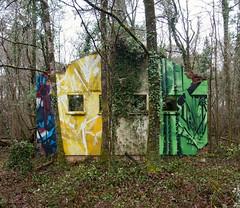 saïr & repaze 777  ailleurs en France perdu dans les bois (repaze black) Tags: repaze saïr 777 sauvage foret gironde bordeaux peinture binome abstrait abstract wall postgraffiti graffiturism