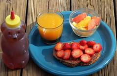 Fresh from Florida (alansurfin) Tags: honey orangejuice navelorange oranges strawberries toast florida homemade breakfast citrus colors fresh fruit