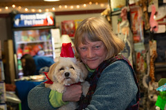 Pat Thomas and Pip (Laura Erickson) Tags: patthomas stlouiscounty pip people duluth friends family matildasdogbakery places minnesota havanasilkdog thunderroadspip