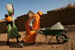 Fetching water, Darfur (water.alternatives) Tags: au africa africanunion darfur elfasher nacionesunidas onu peacekeepers sudan un unamid unitednations water worldwaterday abushouk northdarfur