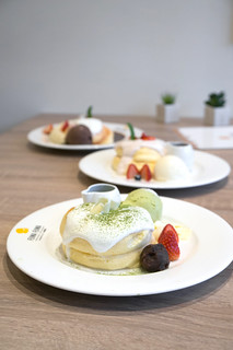 Matcha White Chocolate Pancake