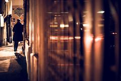 rue Durantin, Montmartre (N.sino) Tags: leica m9 summilux50mm paris montmartre ruedurantin pub man night パリ モンマルトル デュランタン通り パブ 街角 男