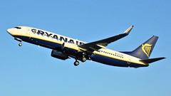 EI-EXE (AnDyMHoLdEn) Tags: ryanair 737 egcc airport manchester manchesterairport 23l