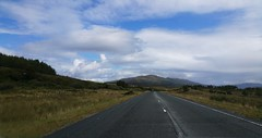 driving north (Suzanne's stream) Tags: road driving skye arriving mountains berge scotland