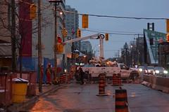 008 -1vib (citatus) Tags: repair traffic lights mount pleasant road eglinton avenue east construction metrolinx crosstown lrt toronto canada fall evening 2018 pentax k3 ii