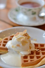 Would you like something sweet? (snowshoe hare*(mostly off)) Tags: dsc0021 cafe waffle icecream ワッフル カフェ food tea