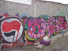 Through the Wall - Tel Aviv - [ISRAEL] (Vagabundler) Tags: graffitiart telaviv israel streetart graffiti graffitiwall grafflife